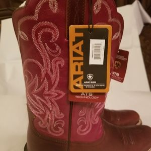 ARIAT Cowgirl Boots NWT